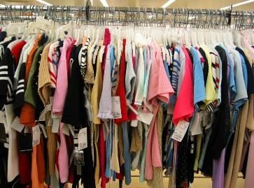 Lietuviai pirko daugiau drabužių