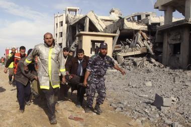 Gazoje per Izraelio atakas žuvo per 200 žmonių