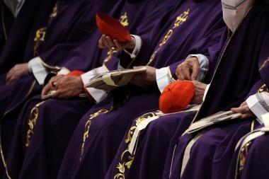 Vatikanas nurodė vyskupams kovoti su kunigų pedofilija