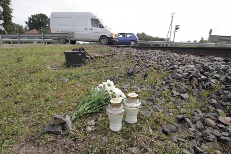 Nelaimė Kretingoje: traukiniui įsirėžus į automobilį, žuvo moteris