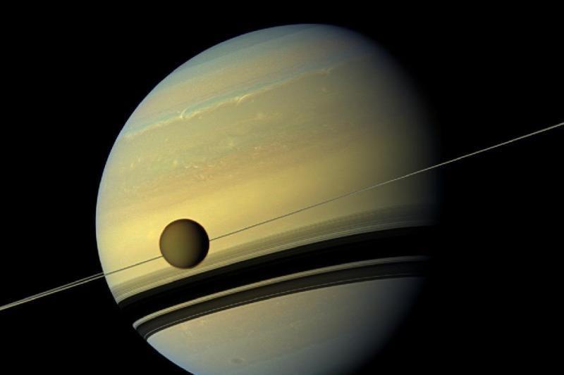 Nufilmuotas Saturnas ir jo žiedai: tai pavyko pasitelkus sraigtasparnį