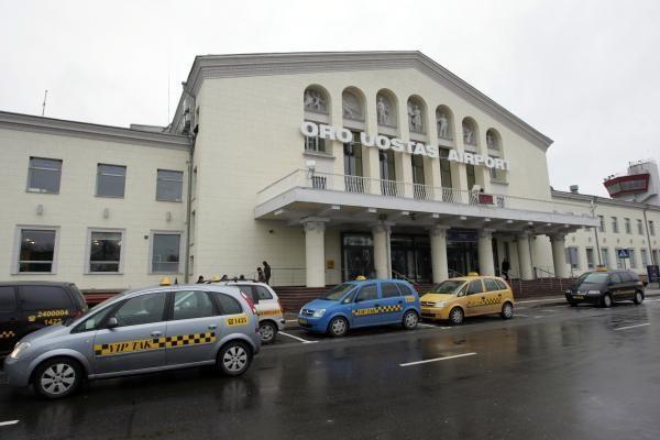 Grasinta susprogdinti Vilniaus oro uostą