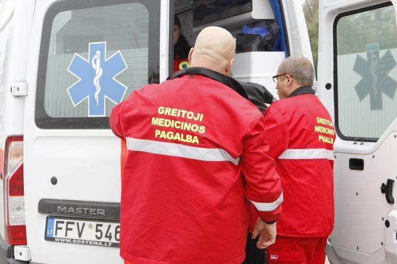 Vilniuje nuošliauža suniokojo BMW ir sužeidė moterį