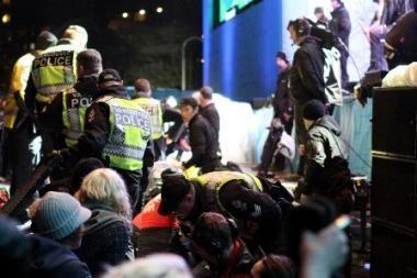 Negandos Vankuveryje tęsiasi: per koncertą sužeista 20 žiūrovų