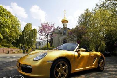 """Pagaminta Rusijoje: auksinė """"Porsche"""