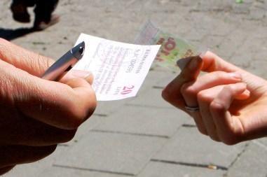 Ministras siūlo didinti baudas už važiavimą be bilieto