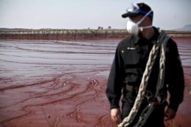 Vengrijoje mirė devintoji toksiško dumblo išsiliejimo auka
