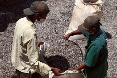 Indijoje – ekologiški keliai iš plastiko
