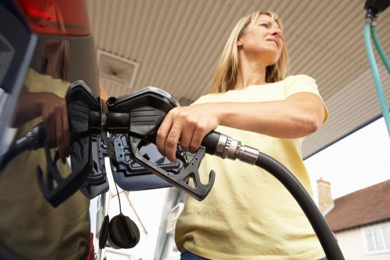 Bus ribojamas benzino įvežimas