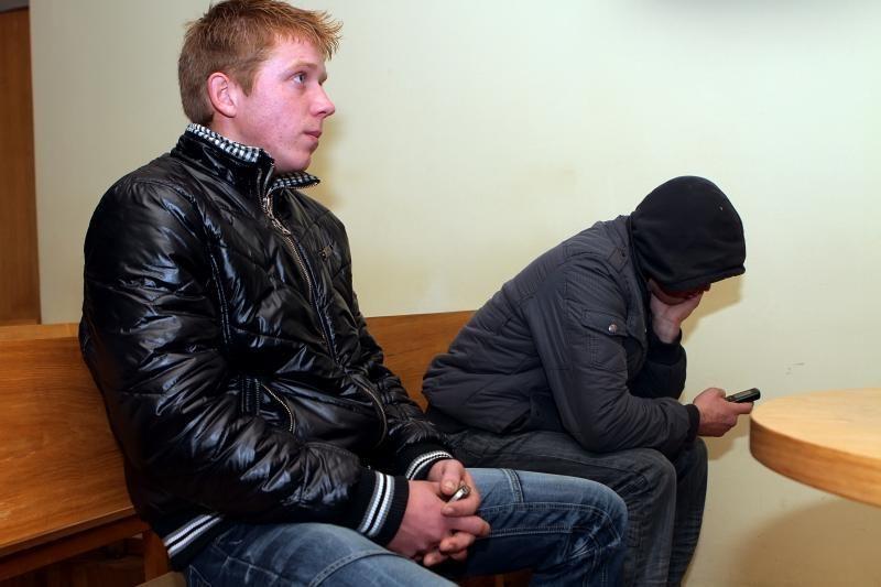 Kraupūs kaltinimai ketinimu nuskandinti paauglį, teisme subliuško