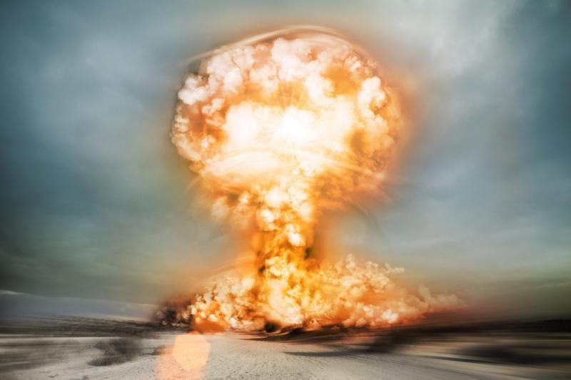 Hirošimoje rasta reta atominės bombos sprogimo nuotrauka