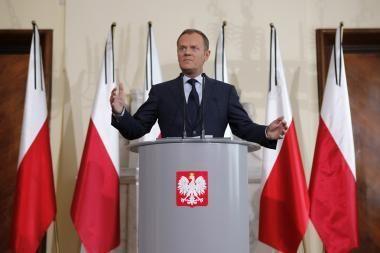 Lenkijos valdantieji liberalai laimėjo pirmąjį vietos rinkimų ratą