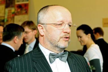 J.Olekas: premijos yra būtinos skatinant karius