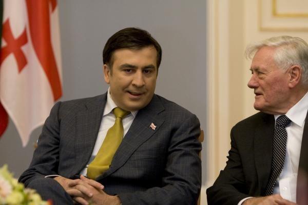 M. Saakašvilio partija per rinkimus susigrums su milijardieriumi