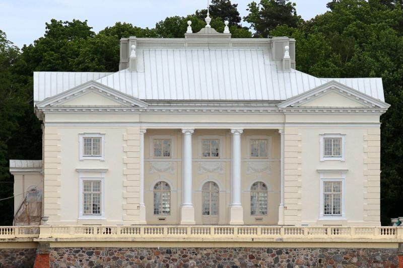 Užutrakio rūmuose atkurta grafų Tiškevičių laikų aplinka