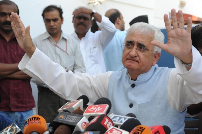 Indijos užsienio reikalų ministru paskirtas Khurshidas
