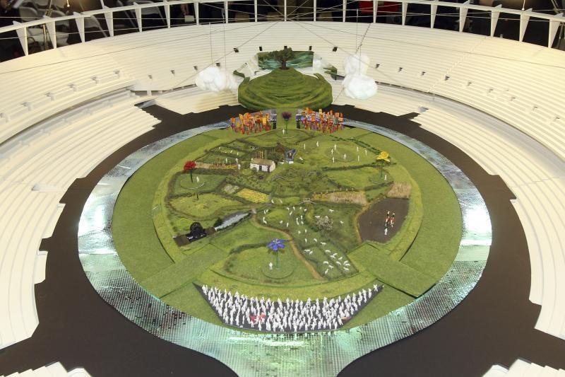 Londono olimpiniame stadione ganysis karvės