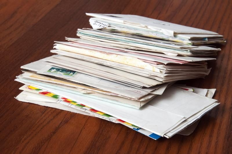 Laiškų siunčiama mažiau, siuntos keliauja ten, kur emigravo lietuviai