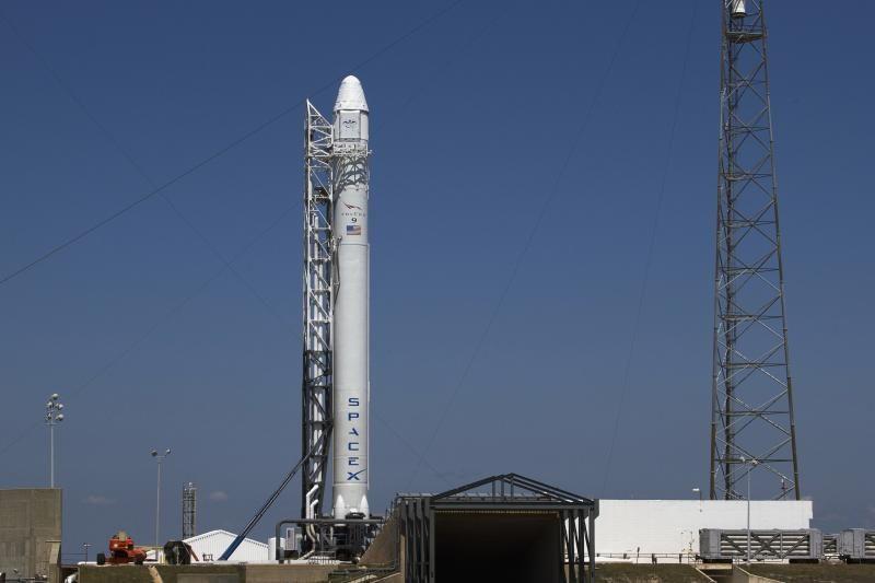 Tarptautinės kosmoso stoties link pasirengęs kilti privatus aparatas