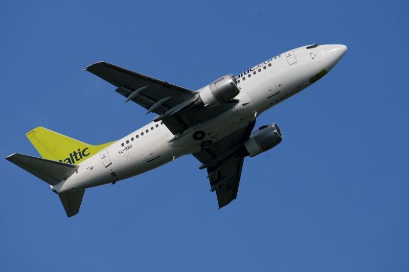 """""""Greitai.lt"""" stabdo prekybą """"airBaltic"""" bilietais: CAA ir """"airBaltic"""" komentarai"""