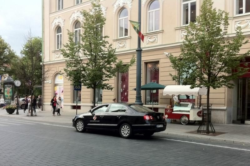 Kauno mero vairuotojas Vilniuje rizikavo būti sutraiškytas šarvuočiu