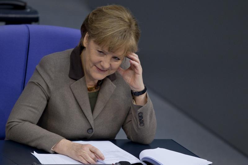 """A. Merkel: Vokietija nesiekia """"hegemonijos"""" ES"""