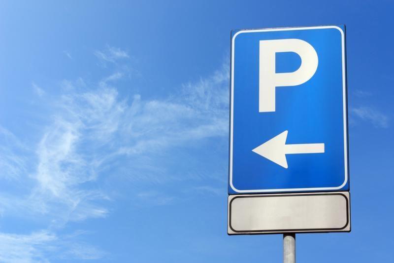 Vairuotojams – daugiau baudų už ne vietoje pastatytą automobilį