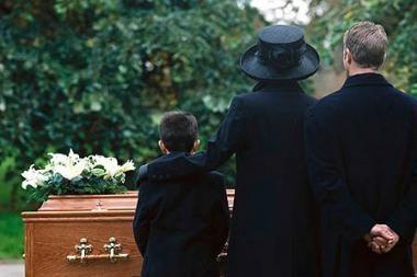 Lentvario pradinukai nuolat stebės laidotuves