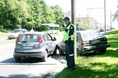 Pareigūnai gaudys girtus vairuotojus