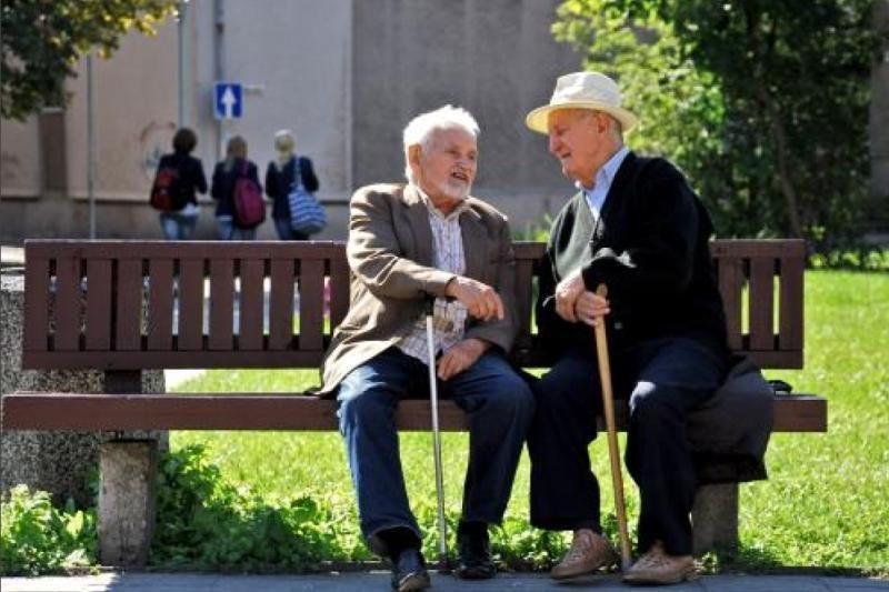 Prancūzijoje dėl pensinio amžiaus - žingsnis atgal