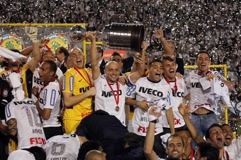 """""""Corinthians"""" klubas pirmą kartą iškovojo """"Copa Libertadores"""