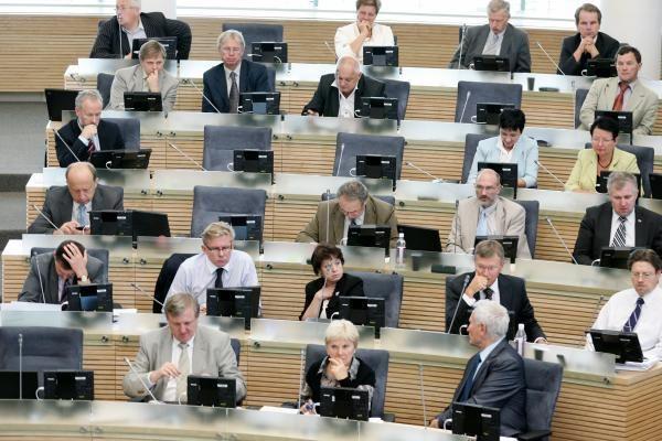 Seimas linkęs pavesti Kauno įvykius tirti Teisės ir teisėtvarkos komitetui