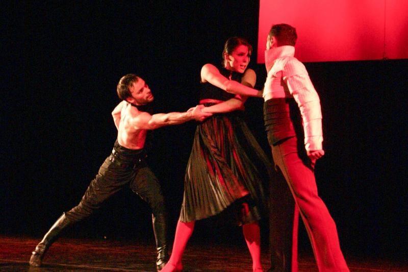 """Klaipėdiečių šokio spektaklis """"Kruvinos vestuvės"""" ruošiasi į kelionę"""