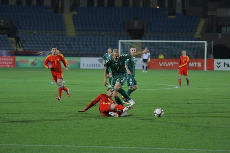 Lietuvos futbolo rinktinė į keturis armėnų įvarčius atsakė tik dviem
