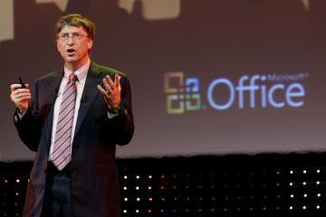"""B.Gatesas keičia """"Microsoft"""