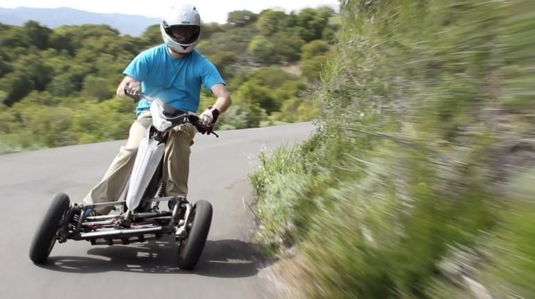 Motoroleris: sportiškas, triratis, elektrinis