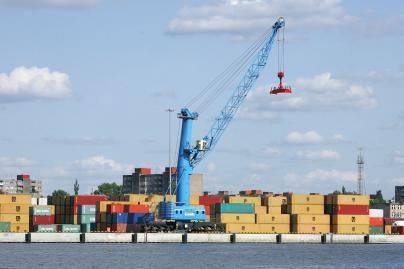 Jūrų uoste - ketvirtadaliu daugiau krovinių