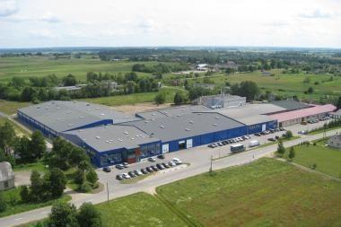 Komercinio šnipinėjimo skandalas: langų gamintoja siekia prisiteisti 3,4 mln. litų
