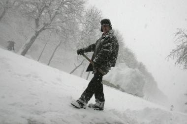 Sniegą iš Vilniaus kiemų valys kitaip