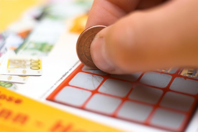 Dilema: ką daryti su V. Šapranausko atvaizdu loterijoje?