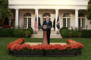 G.W.Bushas pristatė naują gelbėjimo planą