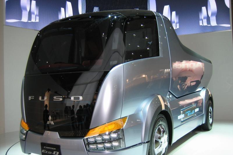 """Mitsubishi Fuso"" garsina ne tik savo, bet ir ""Daimler"" vardą"