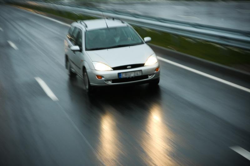Magistraliniai keliai – šlapi arba drėgni