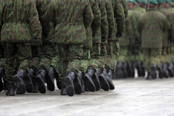 Lietuvius įkaitus vaduos kariuomenė?
