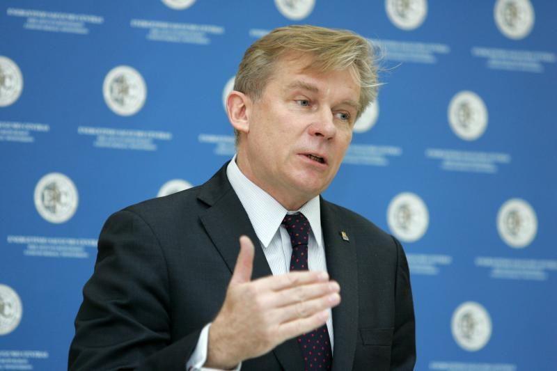 ESBO pirmininkas A.Ažubalis pasmerkė išpuolius prieš Kosovo pajėgas