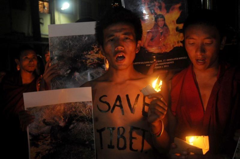 Kinijoje per savaitę susidegino septyni tibetiečiai