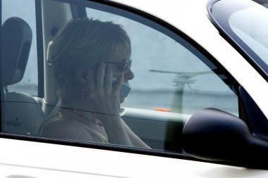 Tarp pradedančiųjų vairuotojų - daugiau moterų
