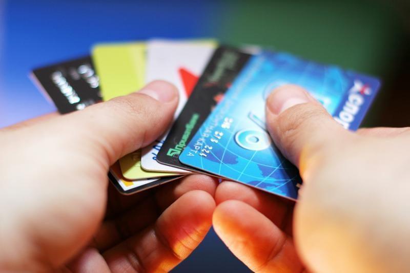 Ant bankų kortelių Šarūnas virsta Sarunu, Žydrūnas - Zydrunu