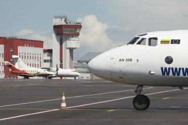 """""""flyLAL charters"""" siūlo parskraidinti kitų bendrovių keleivius"""