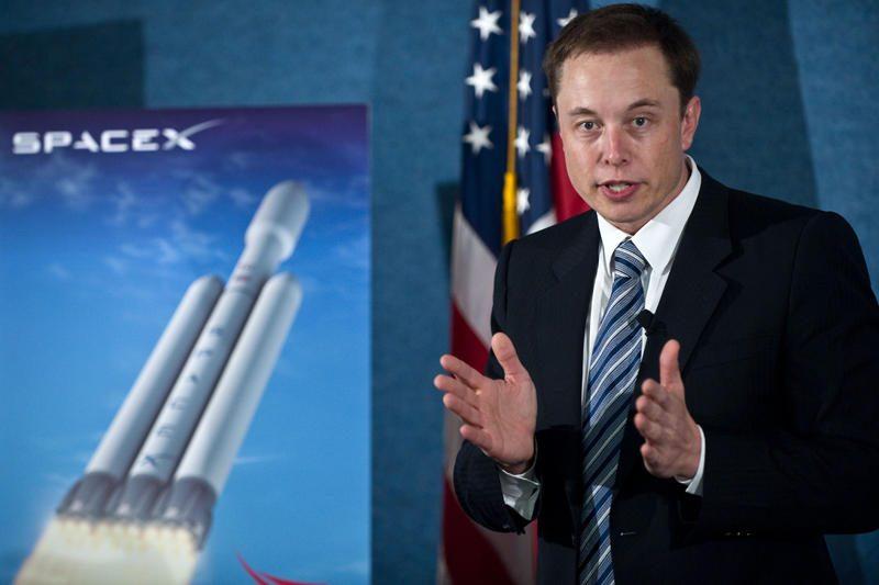"""""""SpaceX"""" krovininė kapsulė startuos į TKS gegužės 7 dieną"""
